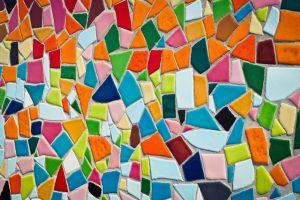 Tegels in verschillende kleuren zorgen voor een unieke look